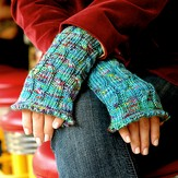 Grace Akhrem Cabled Wrist Warmers PDF