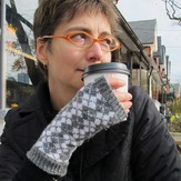 Kate Atherley Campbell Glen Fingerless Mitts PDF