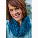 Vermont Fiber Designs 701 Reversible Cabled Cowl in Two Sizes PDF